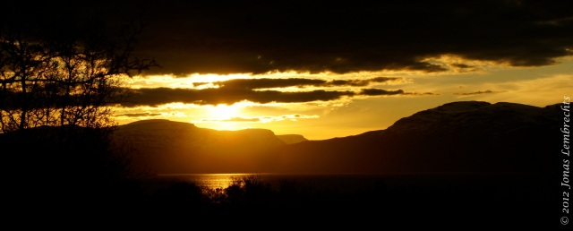 Setting sun above Lake Törnetrask, Abisko