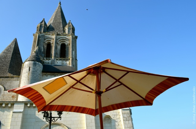 Chilling in the Loches sun