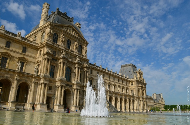 Fountain in front of the Louvre