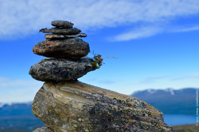 Balancing rocks on top of Nuolja
