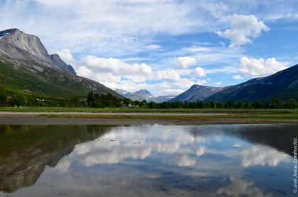 Mountain reflection in the Skjomen valley